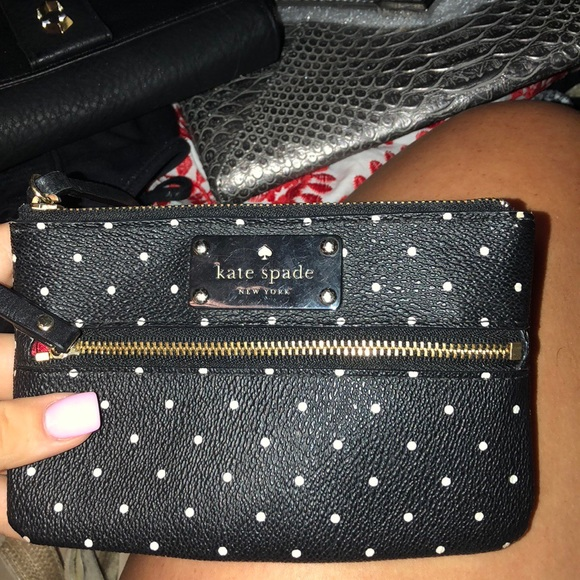 kate spade Handbags - AUTHENTIC Kate Spade wallet, no signs of use